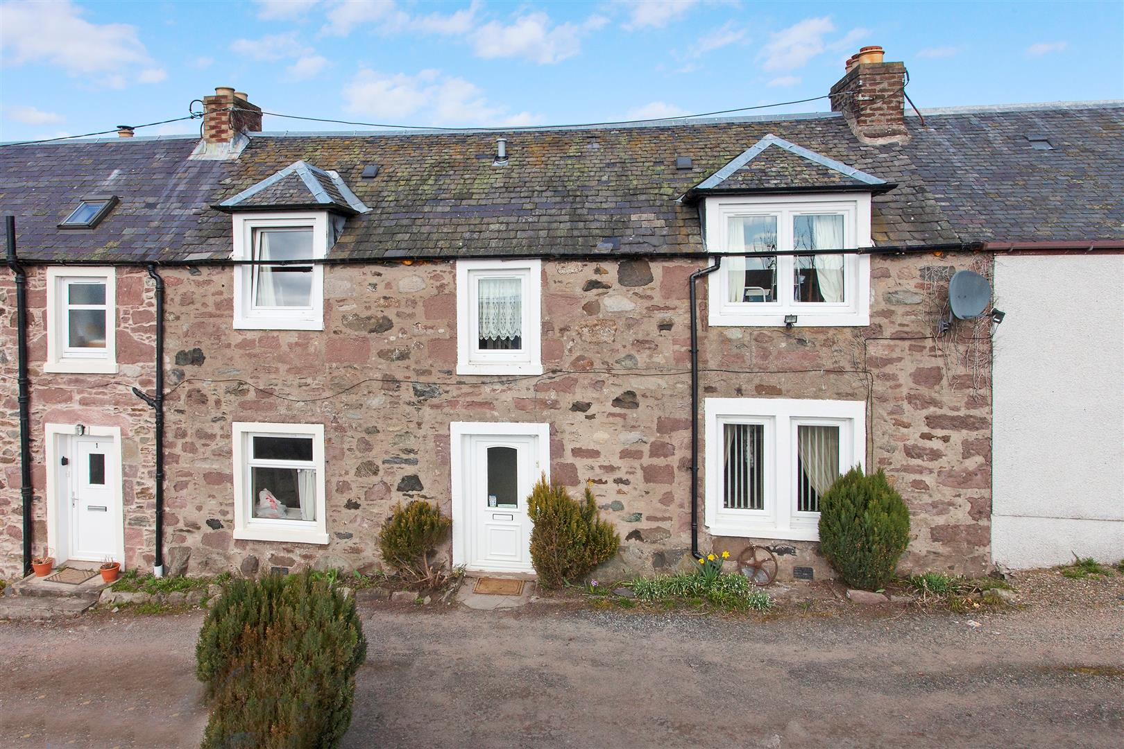 Copper Beeches, Cairneyhill Road, Bankfoot, Perthshire, PH1 4AG, UK